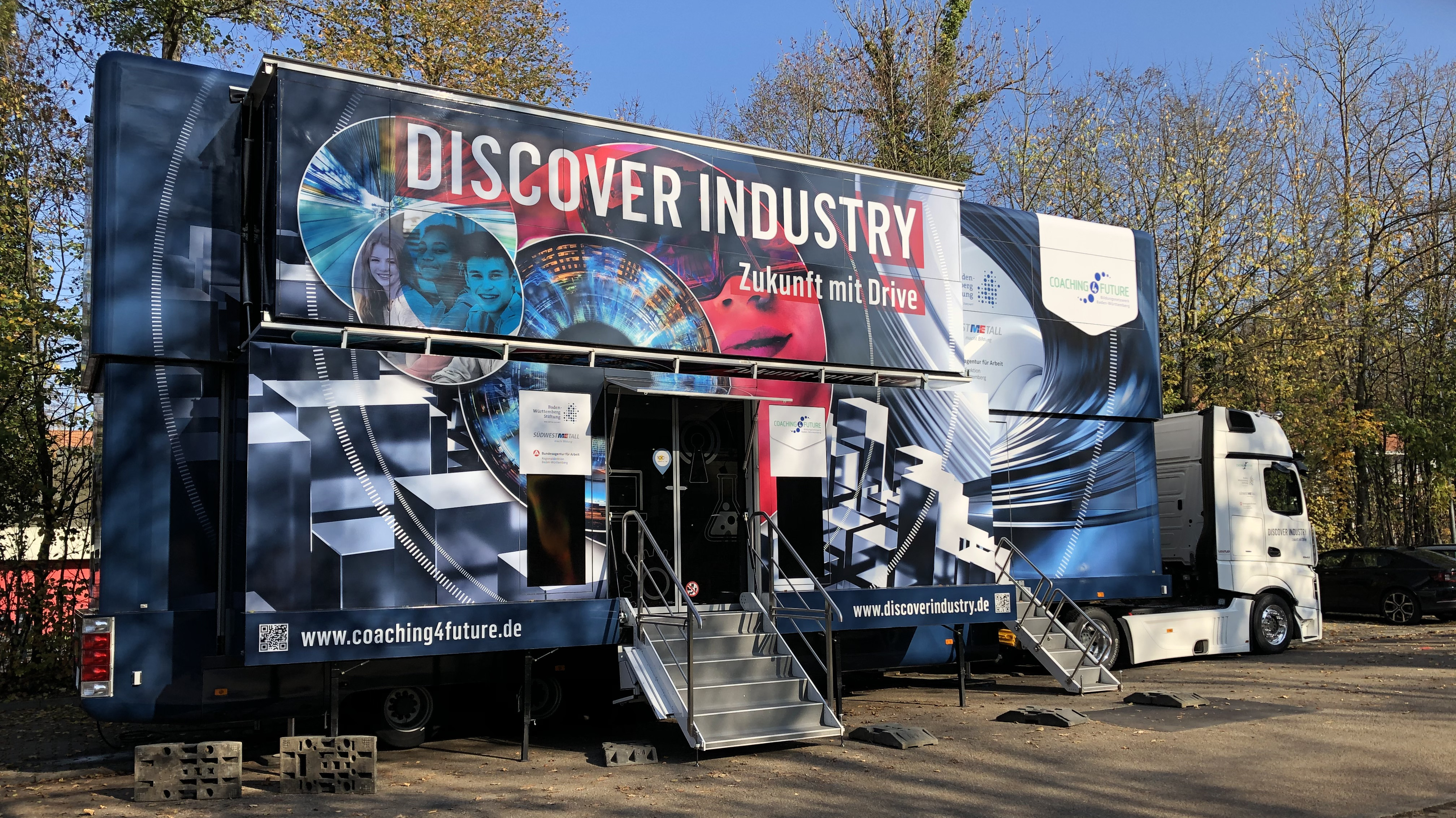 Der Discover Industry Truck an der Glemstalschule.